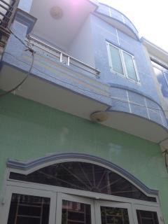 Cần bán nhà 1 lầu ngang 4 dài 8 đường lê văn khương p.ht q12