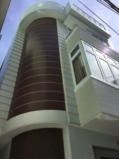 Cho thuê nhà 1 trệt 2 lầu thiết kế cao cấp đồng khởi,p1,vũng
