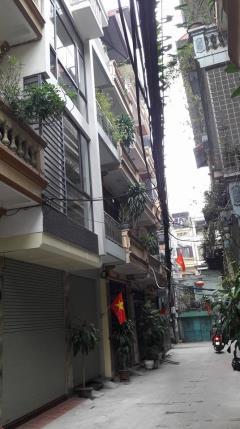 Bán nhà,đê la thành,đống đa, 5 tầng p.lô cb.gtvt s45m2