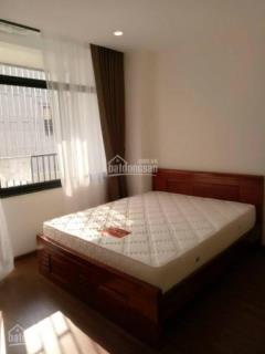 Cho thuê căn hộ 2 phòng ngủ đủ đồ mặt phố đông các-ô chợ dừa