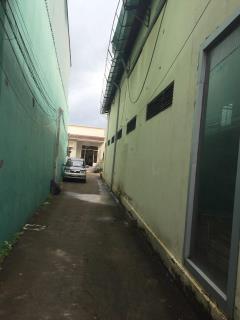Cho thuê nhà mặt tiền đường 3 tháng 2, dt: 7,8x27m