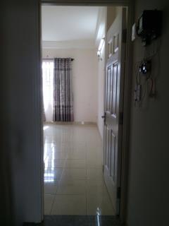 Phòng đẹp, sạch sẽ, cửa sổ thoáng mát, wc riêng, giờ tự do,