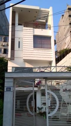 Cần chuyển nhượng ngôi nhà 4 tầng, kiến trúc hiện đại.