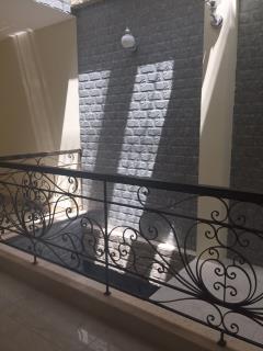 Cho thuê nhà riêng nguyễn khang, diện tích 97 m2 x 7 tầng