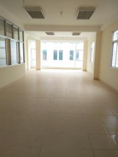 Cho thuê mặt bằng 220 m2 giá rẻ , thiết kế thông sàn