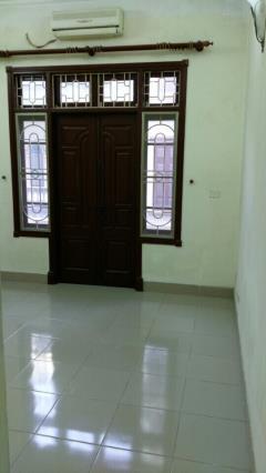 Cho thuê nhà riêng ngõ 125 trung kính, diện tích 50 m2 x 4 t