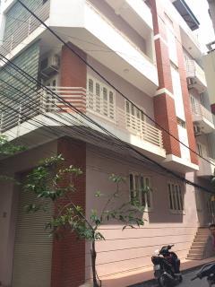 Cho thuê nhà hoàng ngân, diện tích 70 m2 x 5 tầng, nhà đẹp