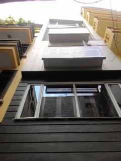 Cho thuê nhà mặt phố vĩnh phúc, diện tích 58 m2x 5,5 tầng