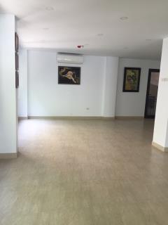 Cho thuê tầng 1 mặt phố ling lang tiện làm văn phòng, showro