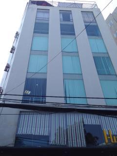 Cho thuê văn phòng trung kính,  diện tích 100 m2 sàn thông