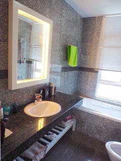 Cho thuê căn hộ 2pn đầy đủ nội thất như hình quận 7