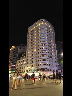 Bán khách sạn sg palace  trung tâm  q1 giá 90 triệu đô/50 n