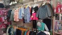 Sang nhượng cửa hàng quần áo,đồ dùng học sinh đối diện trườn