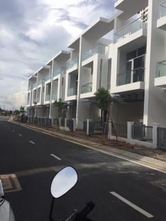 Nhà phố liền kế mới xây 1 trệt 2 lầu, q. bình tân, 80m2,