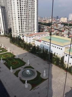 Chcc royal city tầng 20,30m2, 2pn, 16 tr/th-01635470906.