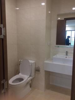 Cho thuê căn hộ eco green 76m2 l/h: 0164.960.6638