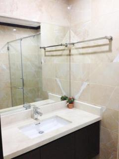 Cho thuê chung cư home city 177 trung kính, 2 ngủ.0904600122