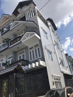 Bán nhà góc 2 mặt tiền đường lê thị riêng vào 50m phường  th