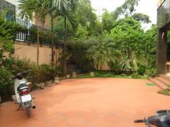 Cho thuê biệt thự làng quốc tế thăng long, 350m2*5t