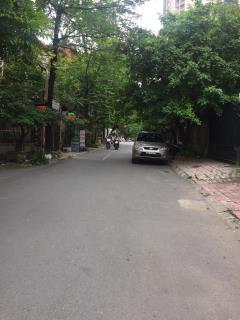 Cho thuê nhà biệt thự liền kề khu trung hòa  cầu giấy 130m