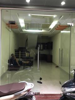 Cho thuê nhà  trần khát chân 40m2 x 4 tầng, 4pn. ngõ ô tô