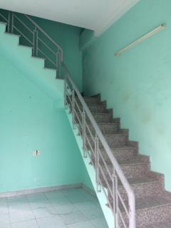 Bán nhà 1 lầu ngay mặt tiền đường lớn lh: 0906375839