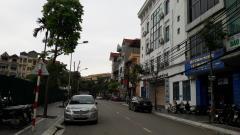 Cho thuê tòa nhà quận cầu giấy dt 450m2 x 6 tầng , lô góc 2