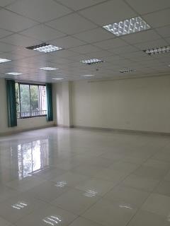 Cho thuê sàn văn phòng đường cầu giấy dt 80m2x8tầng giá 11tr