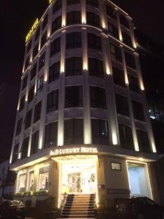 Bán gấp tòa nhà khách sạn láng hạ , dt 200m2 , 8 tầng 1 hầm,