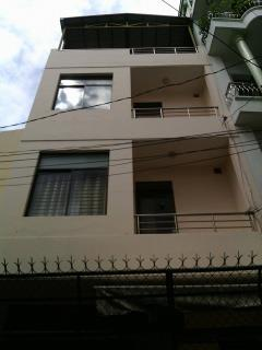 Bán nhà hxh quận 10. hoàng dư khương. q10. dt: 5 x20.5 =105m