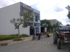 Bán rẻ lô đất đường nhựa 14m, gần trường học ,sổ riêng ,tặng
