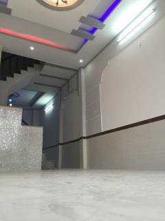 Nhà mới xây 1 trệt 1 lầu giá 1,8ty triệu bao sang tên ck 5%