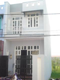 Bán nhà mới xâytỉnh lộ 9, 1 trệt + 2 lầu, 1tỷ3,shr