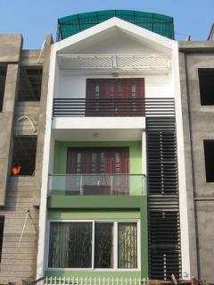 Cho thuê nhà mặt đường đê la thành, 40m x 5 tầng, giá 30 tr