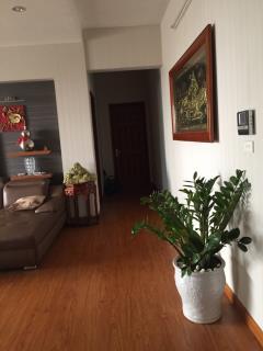 Bán nhanh căn hộ chung cư ecohome 1 đủ đồ sàn gỗ giá 944tr
