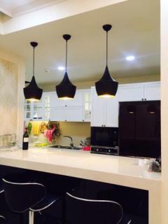 Cần bán căn hộ vinhome nguyễn chí thanh, 86m2,lh 0974887722