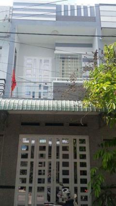 Bán nhà 1 trệt 1 lầu 1 sân thượng kdc thới nhựt