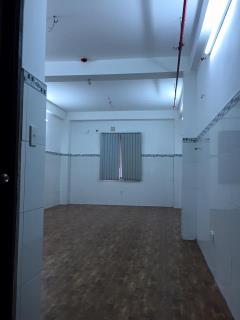 Văn phòng ngay mặt tiền trần phú, quận 5, chính chủ, mới xây