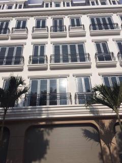 Bán nhà mặt phố mỹ đình 5 tầng x 81 m2 gần the manor