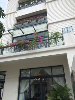Bán liền kề nguyễn trãi 5 tầng đối diện đh hà nội