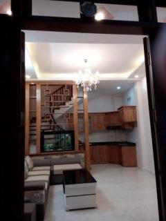 Gia đình cần bán nhà ngõ 500 nguyễn trãi 37m2 5 tầng