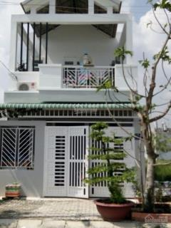 Nhà đang cho thuê 100m2 gần chợ bình chánh giá 680tr