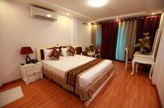 Cực hiếm  bán khách sạn mặt phố đào duy từ, 100m2, 10 tầng.