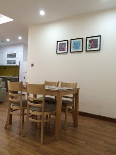 Cho thuê căn hộ đẹp tại  home city  177 trung kính - giá r