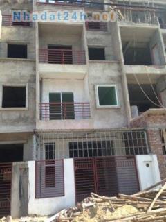 Bán nhà  ở hoắc môn,1 trệt, 2 lầu,shr,lh 0938501029
