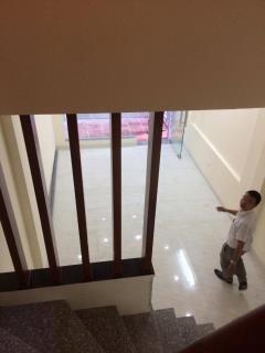 Bán nhà nguyễn trãi,đối diện đh hà nội 40m,5 tầng lô góc  3