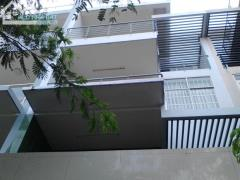 Nhà 120 m2 cần bán găp đi nước ngoai chính chủ bao sang tên
