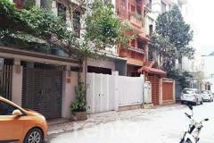 Cho thuê nhà trung yên, dt 90m2 x 4,5 tầng giá 27 triệu/th