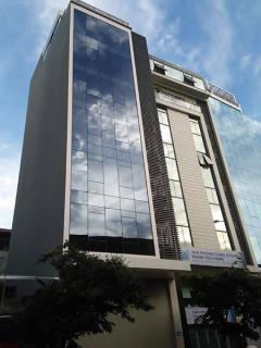 •văn phòng hoàng quốc việt chất lượng, có thang máy,giá tốt