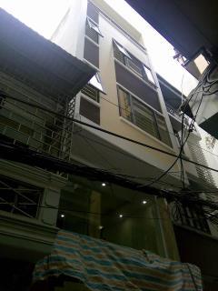 Bán nhà tô vĩnh diện thxuân 42m2, 5 tầng, 5,3tỷ, oto vào nhà